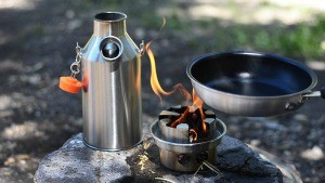 Camping kettle and camp stove