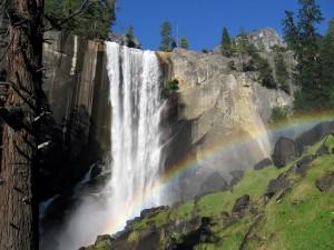 Vernal_Falls_Rainbow